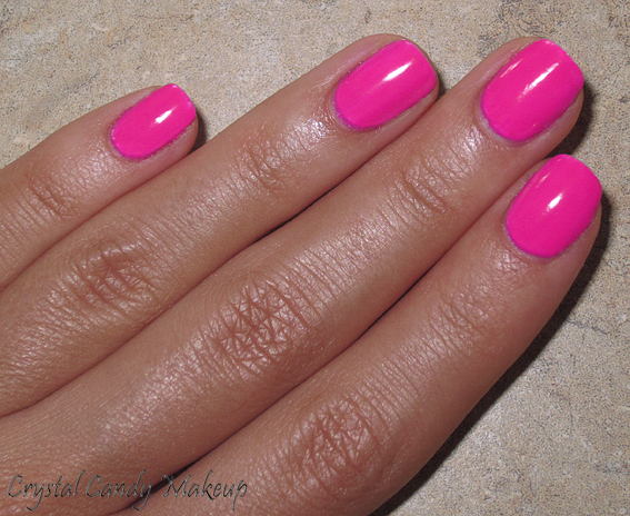 Vernis Riotously Pink d'OPI (Collection Outrageous Neons)