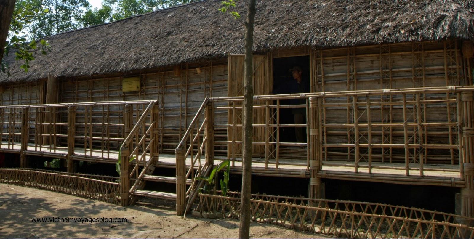 Nhà dài Tà Lài