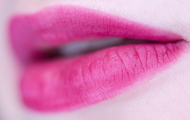 IsaDORA Sculpting Lipliner «Berry Kiss» 60 swatches