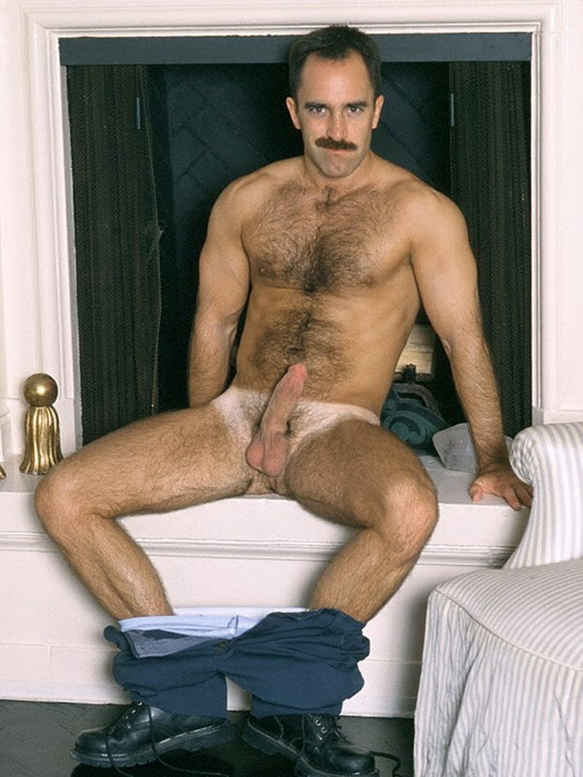 Moustache old guy fuck big jugged babe in hotel room 8