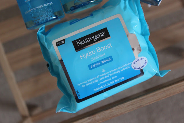Image result for Facial wipes. (Neutrogena)