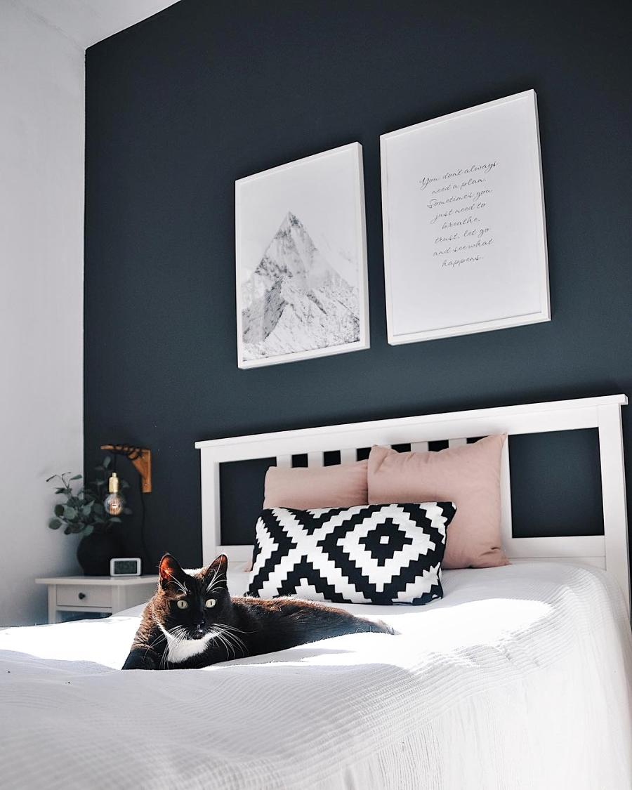 Szarości, prostota i odrobina skandynawii, wystrój wnętrz, wnętrza, urządzanie domu, dekoracje wnętrz, aranżacja wnętrz, inspiracje wnętrz,interior design , dom i wnętrze, aranżacja mieszkania, modne wnętrza, szare wnętrza, styl skandynawski, scandinavian style, urban jungle, sypialnia