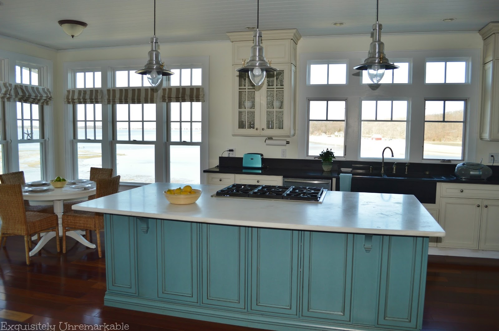 beach home kitchen