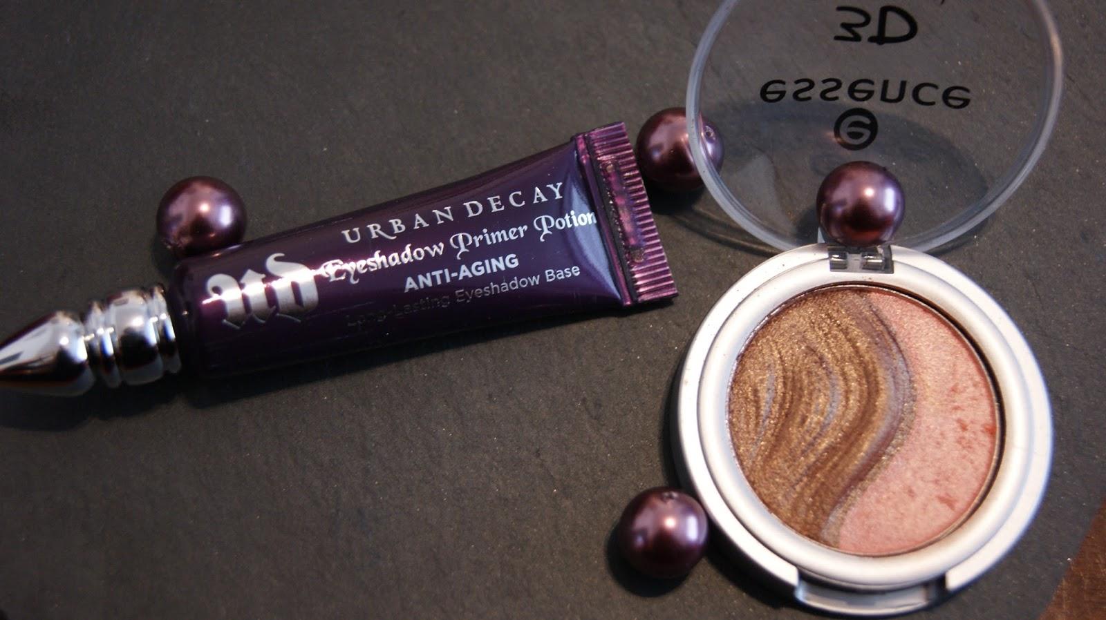 urban decay primer potion tube with eyeshadow