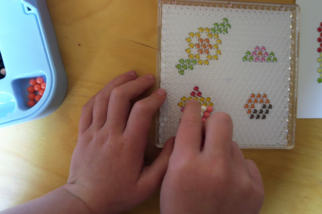 Making an Aquabeads cupcake