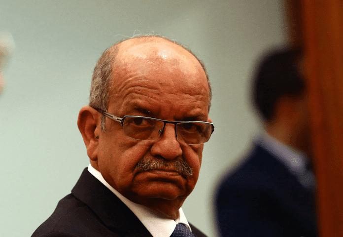 """السلك الديبلوماسي الإفريقي بالرباط ينأى بنفسه عن التصريحات """"غير المفهومة"""" لوزير الخارجية الجزائري ضد المغرب"""