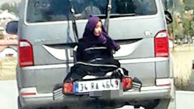 Padre turco ata a su hija de 13 años detrás de un minibús (video)