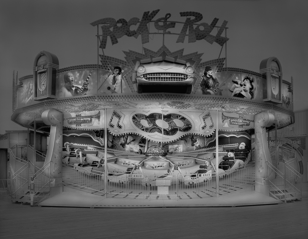 02-Rock-&-Roll-Himalaya-Michael-Massaia-Black-and-White-Photographs-Funfair-and-Pinball-Machine-www-designstack-co