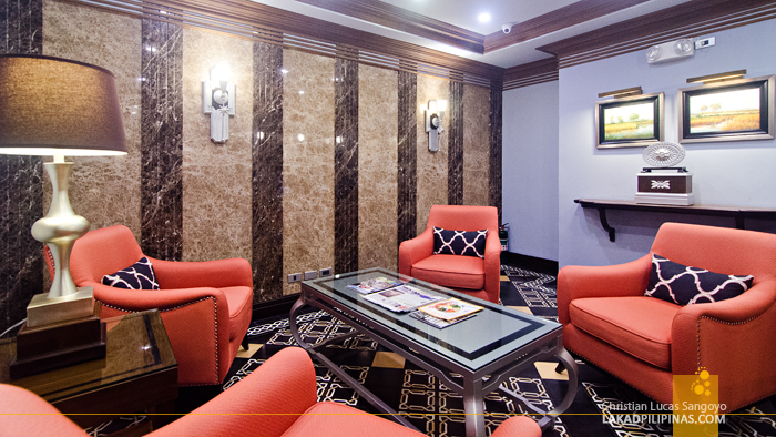 Herald Suites Polaris Makati Lounge