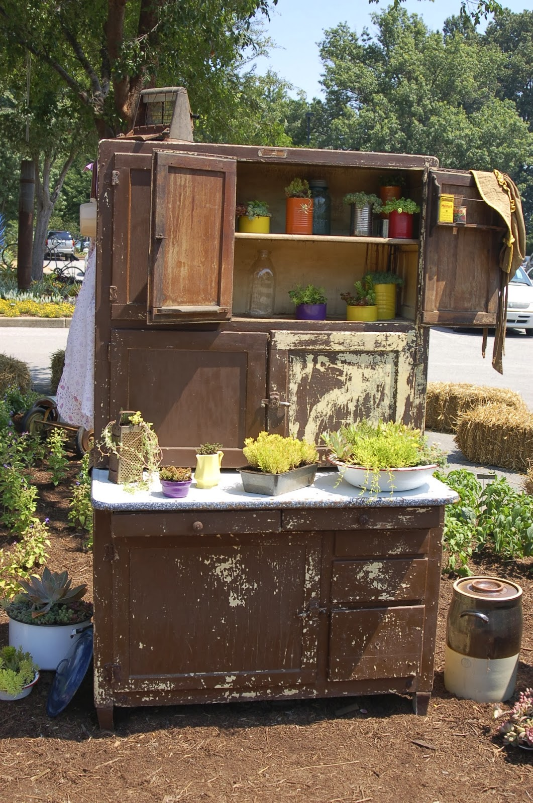 bwisegardening: Around The Garden World - Day 51 (Jackson, TN - UT ...