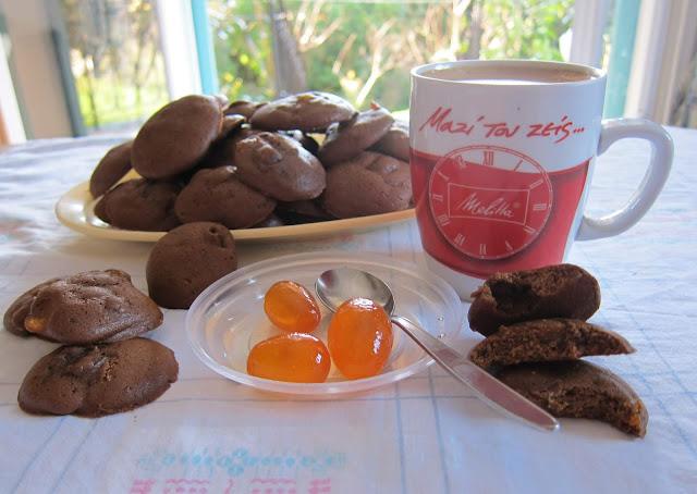 παρέξενο πιρούνι, paraxeno pirouni, μπισκότα με καφέ και κουμ κουάτ