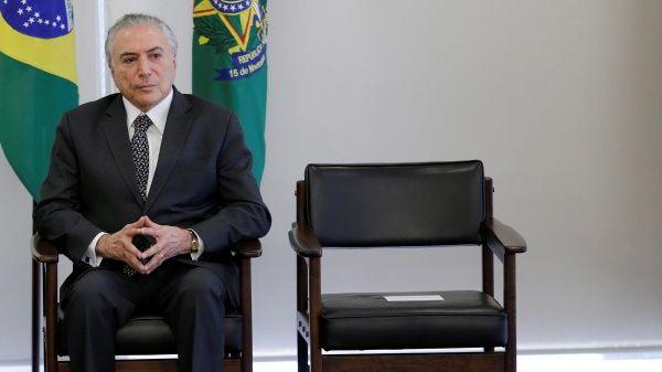 Partidos abandonan a Michel Temer tras investigación en su contra