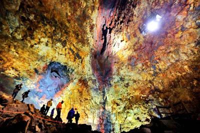 ¿Quieres ver un volcan por dentro? ¡Visita el Thrihnukagigur!