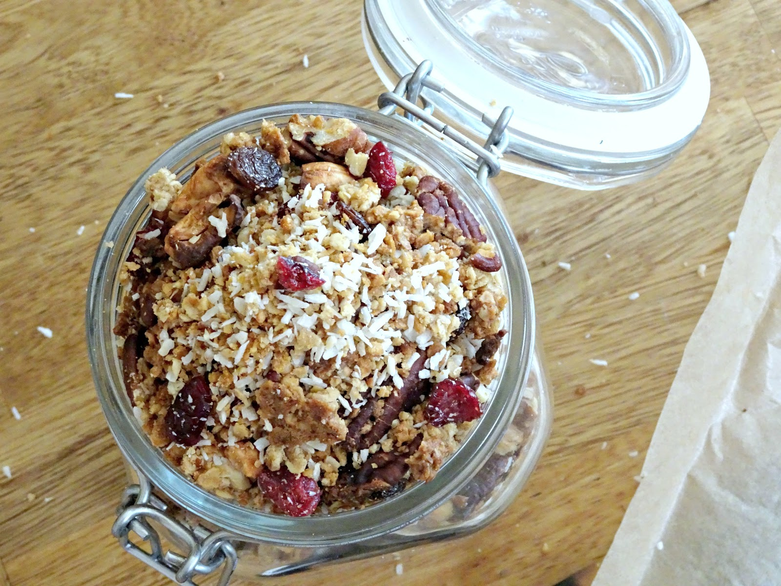 Shannon michelle my go to homemade vegan granola ive been meaning to introduce some vegan recipes onto my blog for a while now and thought what better way to kick it off than to share my favourite go to ccuart Image collections