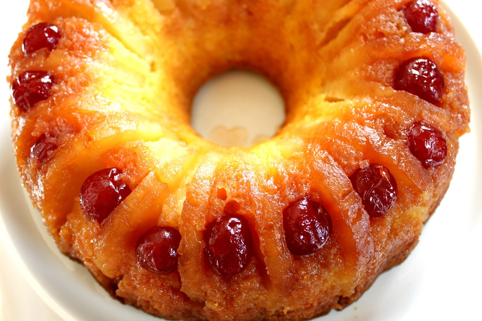 A Feast for the Eyes: Pineapple Upside Down Bundt Cake