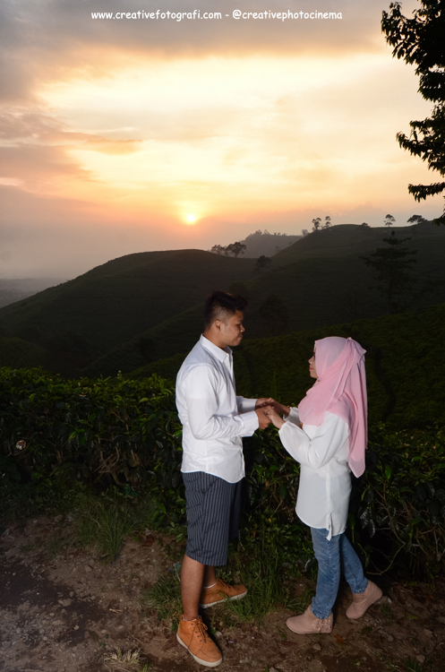 casual prewedding photography