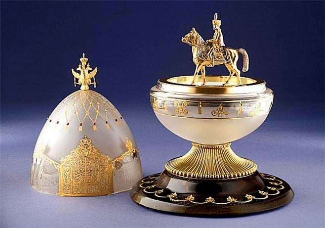 Foto de um Ovo de Fabergé - Cavaleiro