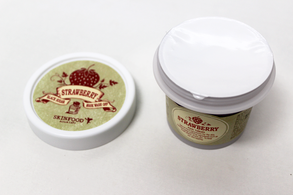 Skinfood Strawberry Black Sugar Mask wash off package