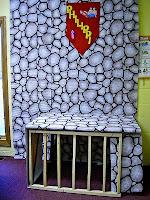 http://kidsbibledebjackson.blogspot.com/2012/08/bible-class-tent-ideas.html