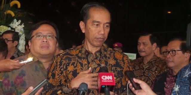 Jokowi Minta Relawannya Laporkan Pejabat yang Tak Becus Kerja!