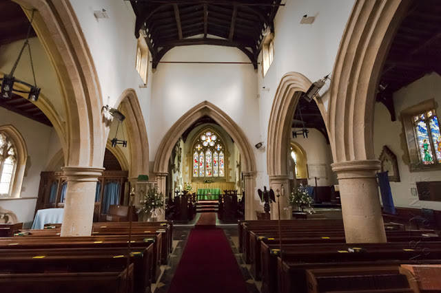 Shipton under Wychwood church interior by Martyn Ferry Photography