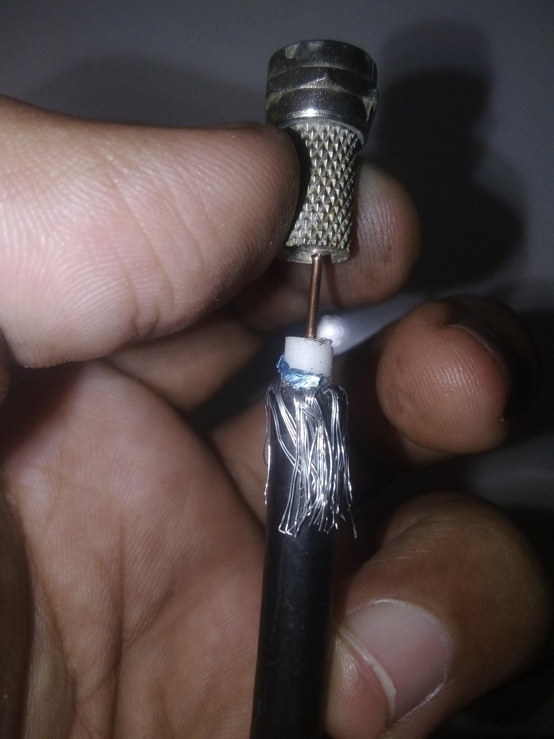 cara memasang konektor f kabel parabola
