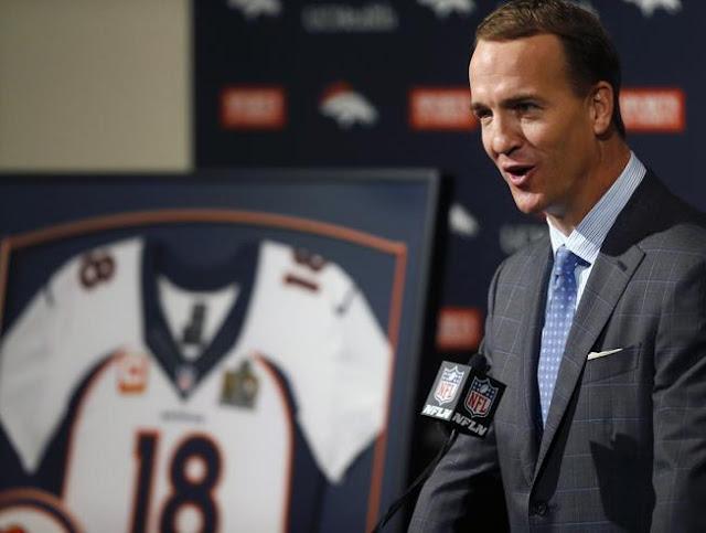 """""""Dios los bendiga a todos, dios bendiga el futbol americano."""" :  Peyton Manning"""