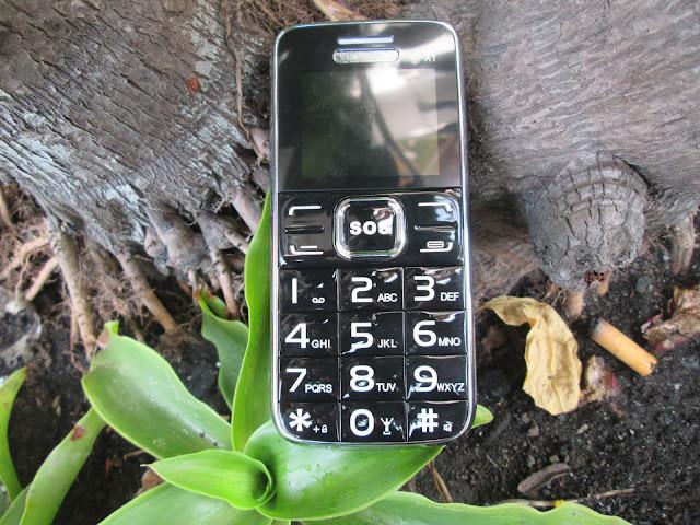 kinh nghiệm chọn điện thoại cho người già