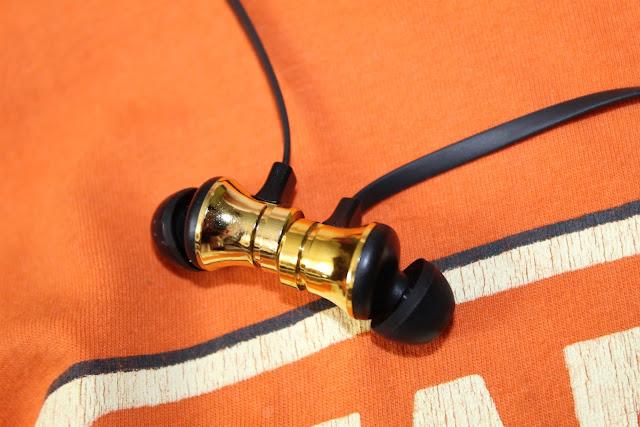 Magnetyczne słuchawki