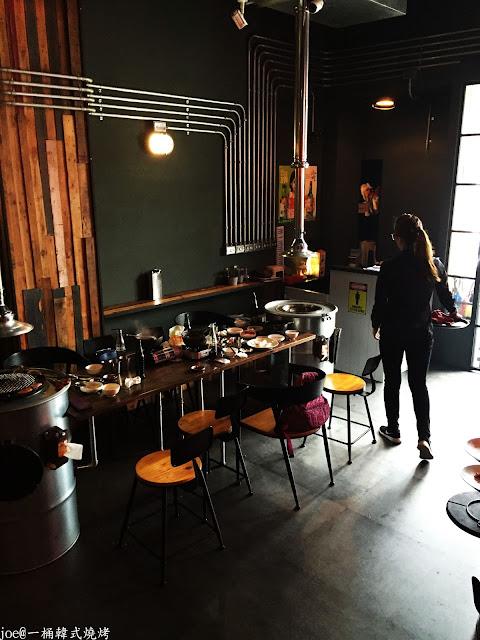 IMG 4318 - 【台中美食】好想念韓國的燒肉啊!!!『一桶韓式燒烤』讓你重溫韓國燒肉的舊夢阿!!!@一桶@韓式燒烤@油桶燒烤@烤蛋@起司@五花肉