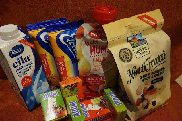 Käsimatkatavaroiden pakkaaminen lapsille