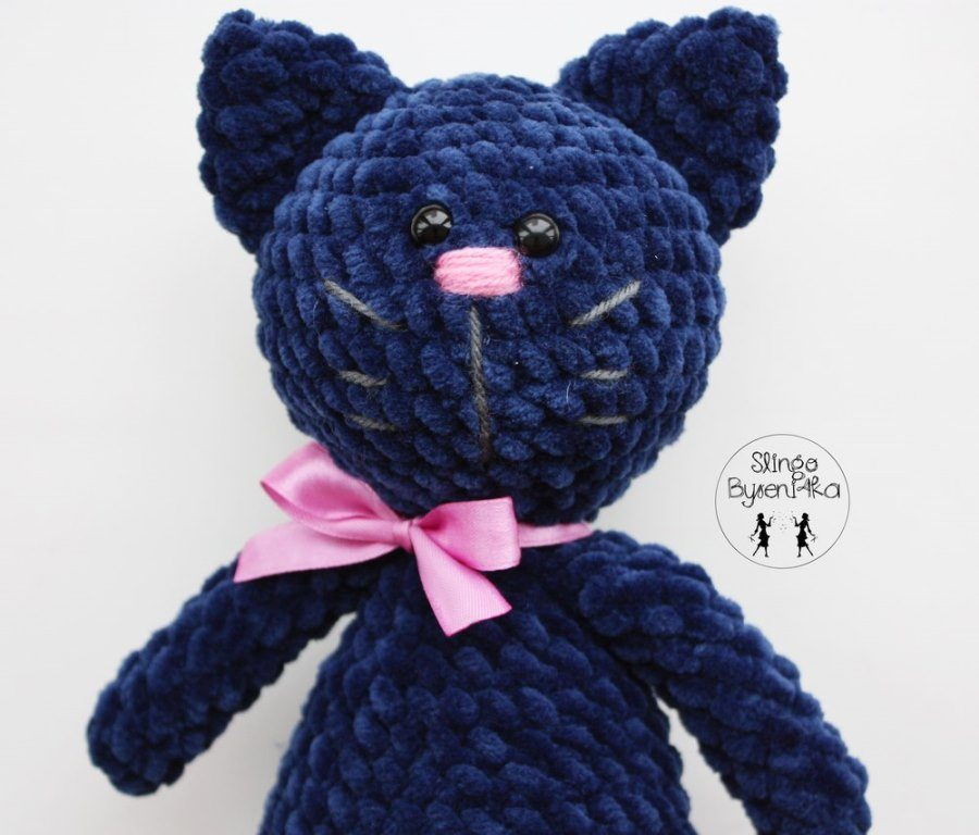 Black cat - Free amigurumi pattern | 768x900