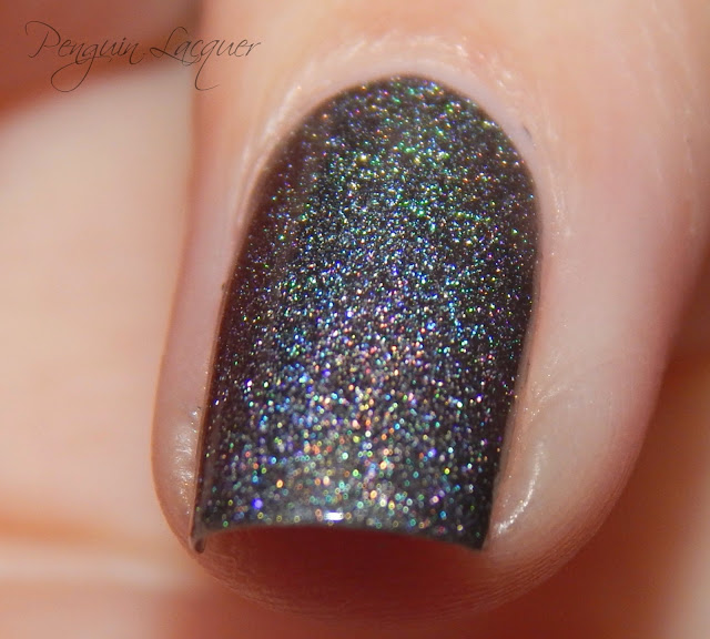 kiko holographic nail lacquer 006 graphite flashlight makro