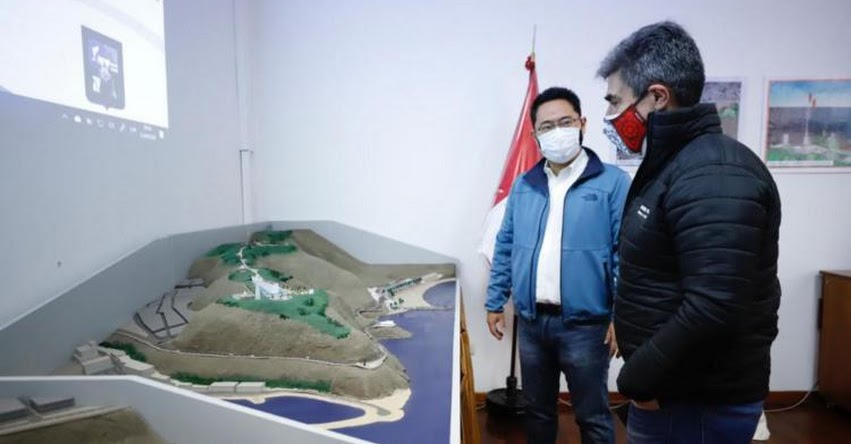 Ministro de Cultura, Alejandro Neyra coordina con alcalde Miyashiro para impulsar proyectos en Chorrillos