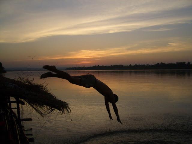 Salto al Mekong