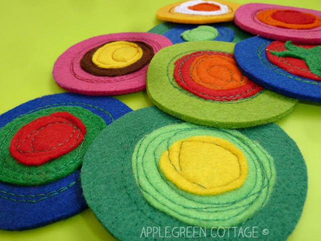 Homemade Christmas gifts - easy DIY felt coasters for you to make