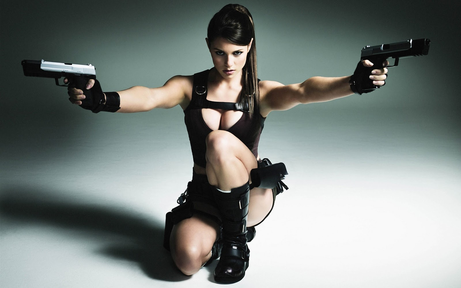 Beautiful Alison Carroll Cosplay Lara Croft Wallpaper