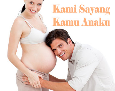 suami dan istri sedang hamil