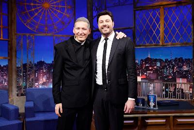 Padre Marcelo Rossi e Danilo Gentili (Crédito: Gabriel Cardoso/SBT)