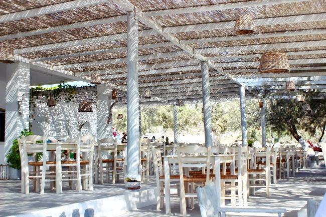 Koumbara taverna in Ios