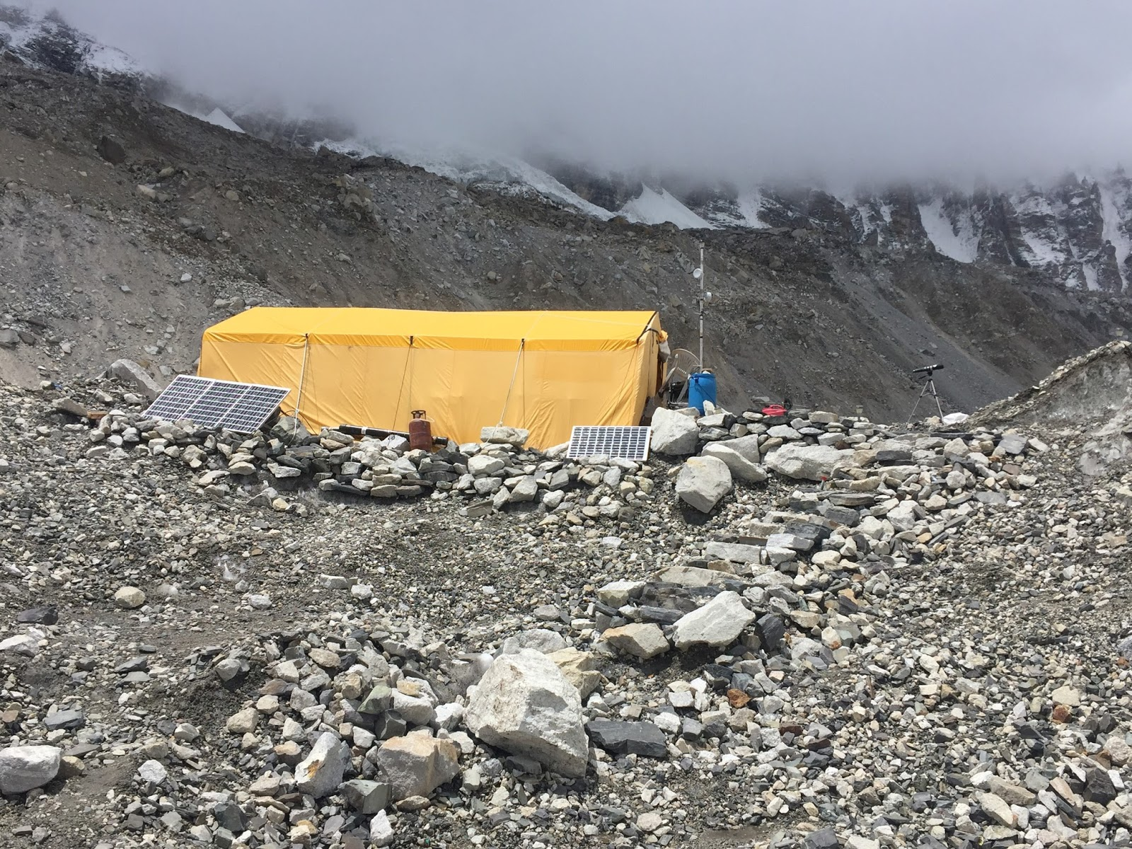 Besides hanging out in our inidual tents we spend quite a bit of time in the dining tent. Meals are a good time for us to get together ... & Mount Everest 2017: IMG Everest Base Camp Tour