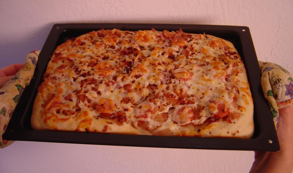 ALDI Inspired Bavarian Pizza uncut