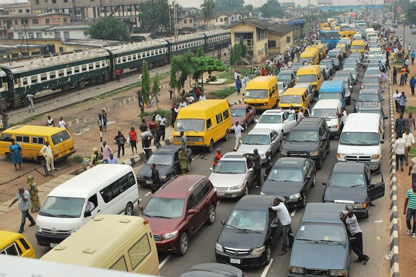 Will Ambode's 5000 New BRT Buses Solve The Lagos Traffic Challenge? (Photos)