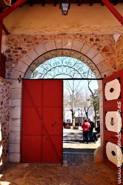 Puerta grande de la Plaza de Las Virtudes