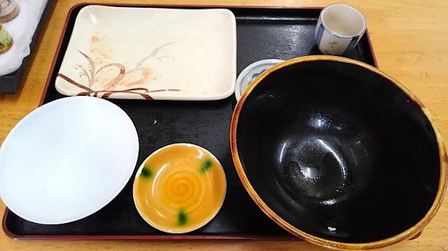 ゆい食堂の食器の写真