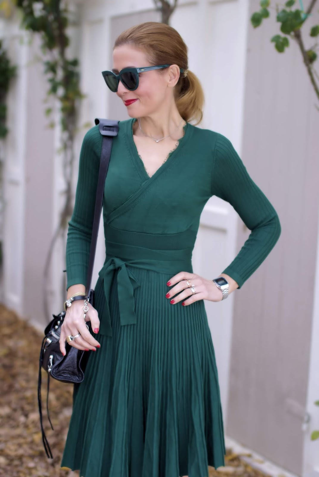 Metisu wrap neckline dress on Fashion and Cookies fashion blog, fashion blogger style