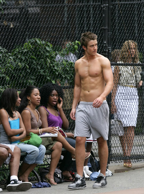 Robert Buckley, black girl meme