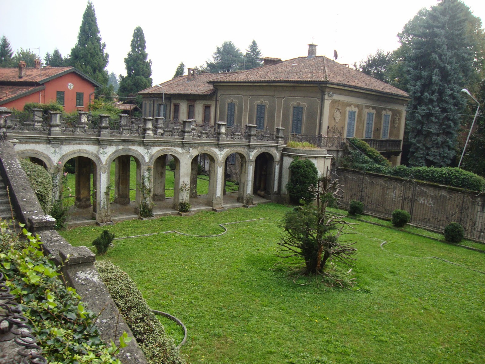 un piccolo giardino in città: il sorprendente e bizzarro giardino ... - Piccolo Giardino Allitaliana
