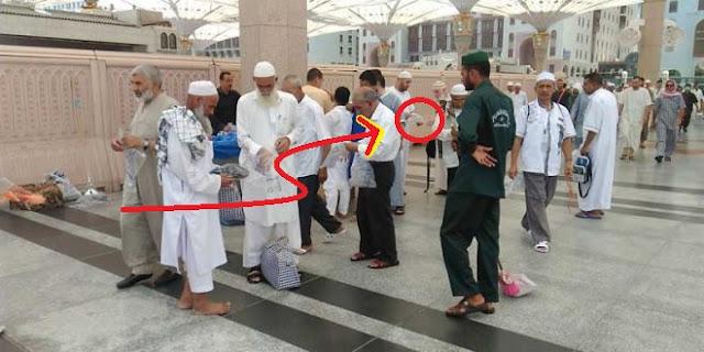 Jangan Anggap Remeh Kehilangan Sandal di Masjid Nabawi