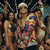 "Bruno Mars encarna Michael Jackson na baladinha ""Versace On The Floor"" e isso é maravilhoso"